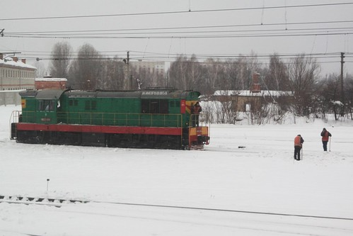Ukrainian Railways ЧМЭ3 diesel locomotive shunting around the yard at Vinnytsia (Вінниця)