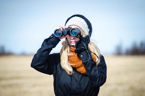 bird girl finland binocular watching birdwatching liminka syymza danielezanni
