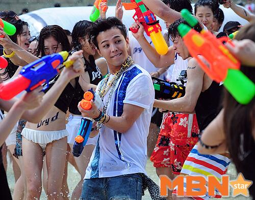 GDragon_WaterWorld_CF-Event_20140704 (2)