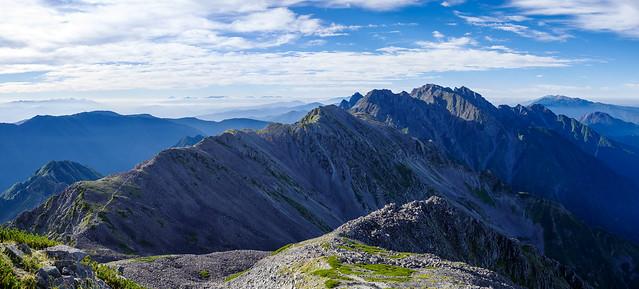南岳へ・・・素晴らしい稜線、素晴らしい展望