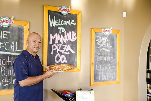 013_manoli's_pizza_wailea_sean-m-hower_mauitime