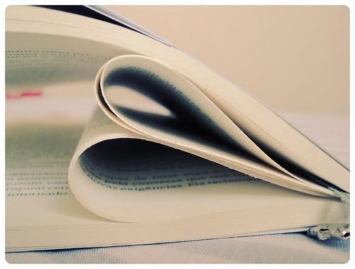 37/365 - ♥ Book