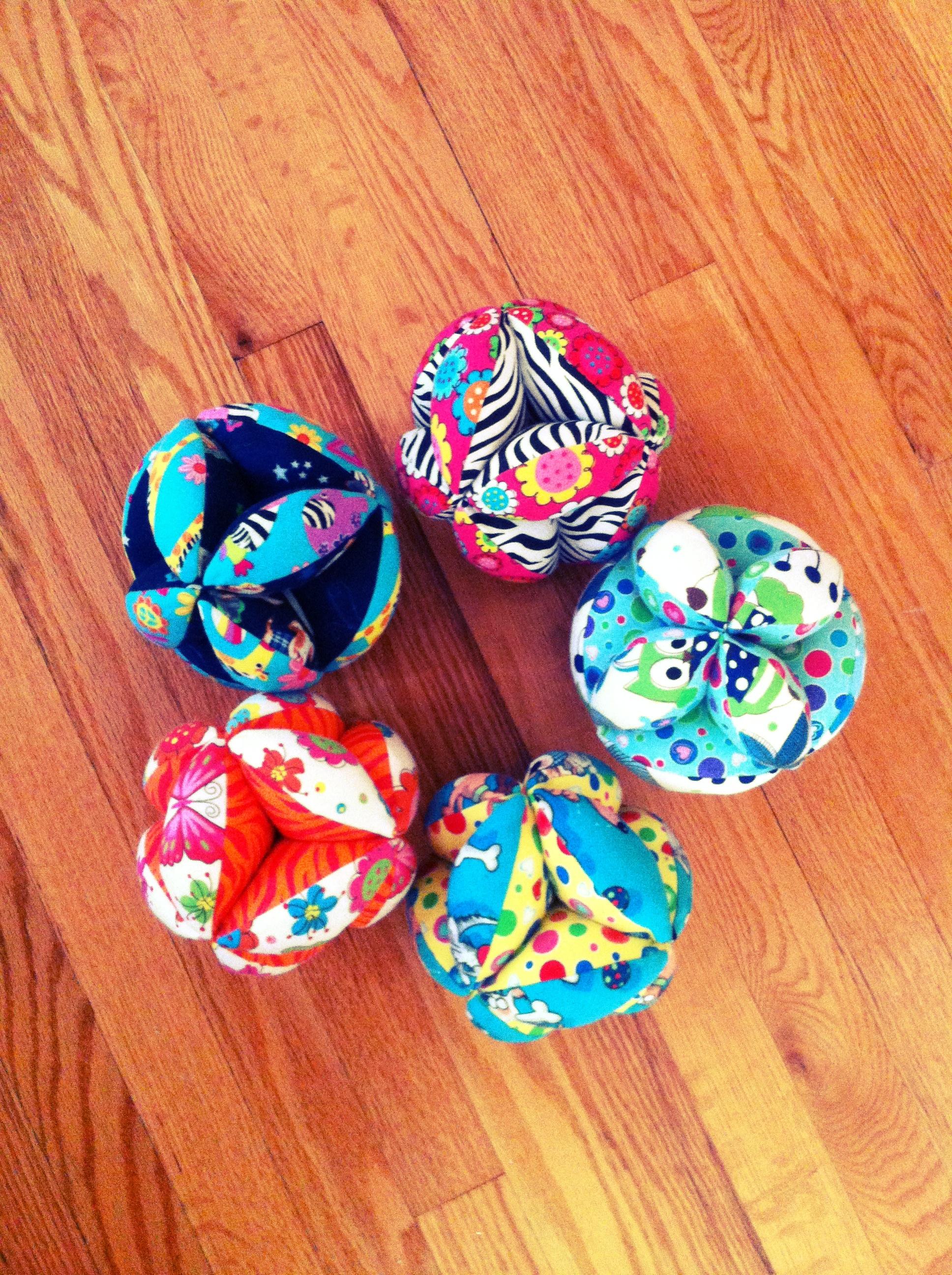 Puzzle balls for Fabri-Quilt
