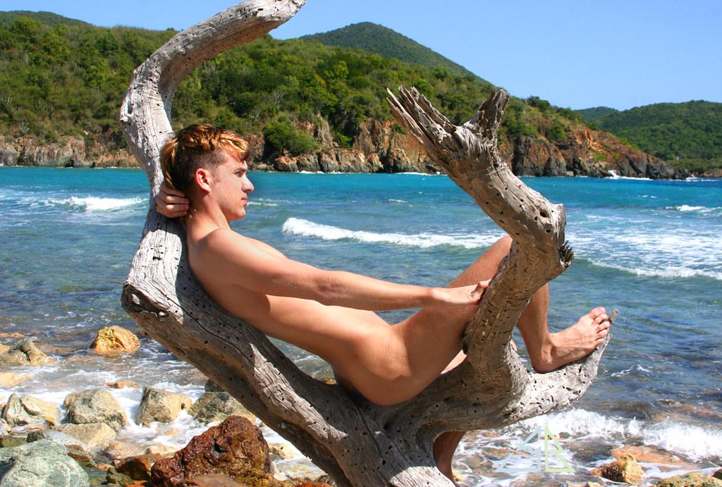 Boys Skinny Dipping Blue Lagoon - Hot Girls Wallpaper