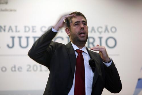 Foto - Prof Nino Carvalho em Palestra no CNJ sobre Midias Sociais e o Poder Judiciario (credito - Glaucio Dettmar, STJ)