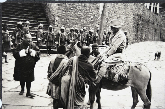 Paro dzong 7750' 26.-27.6.33