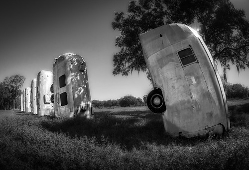 blackandwhite bw usa car landscape unitedstates florida fisheye trailer airstream dover traveltrailer i4 centralflorida seffner tipy lenscamera airstreamranch batesrv thingsinpeoplesyards automobilevehicle 75mmf35rokinon