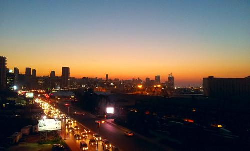 sunset lebanon orange cars port soleil traffic du beirut voitures liban لبنان couché سيارات بيروت الشمس beirouth trafique karantina vetura سير quarantina الدولة غياب مرفأ موظفي تعاونية عجقة كرنتينا