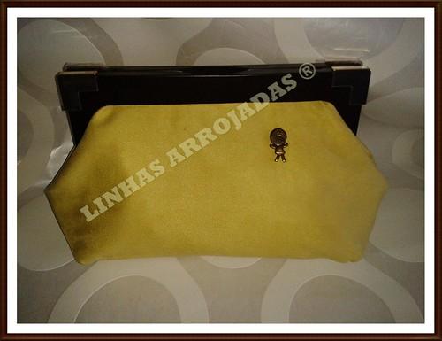 carteira  verde lima com alça em madeira by Linhas Arrojadas Atelier de Costura ® Trademark
