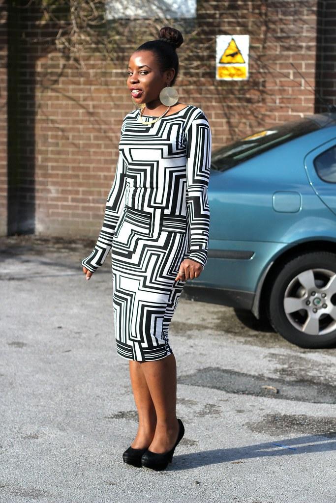 Monochrome Maze Print Bodycon Midi Dress, bodycon dress, how to wear a bodycon dress, monochrome dress