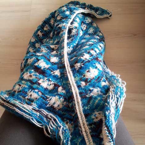 Thistle shawl steek