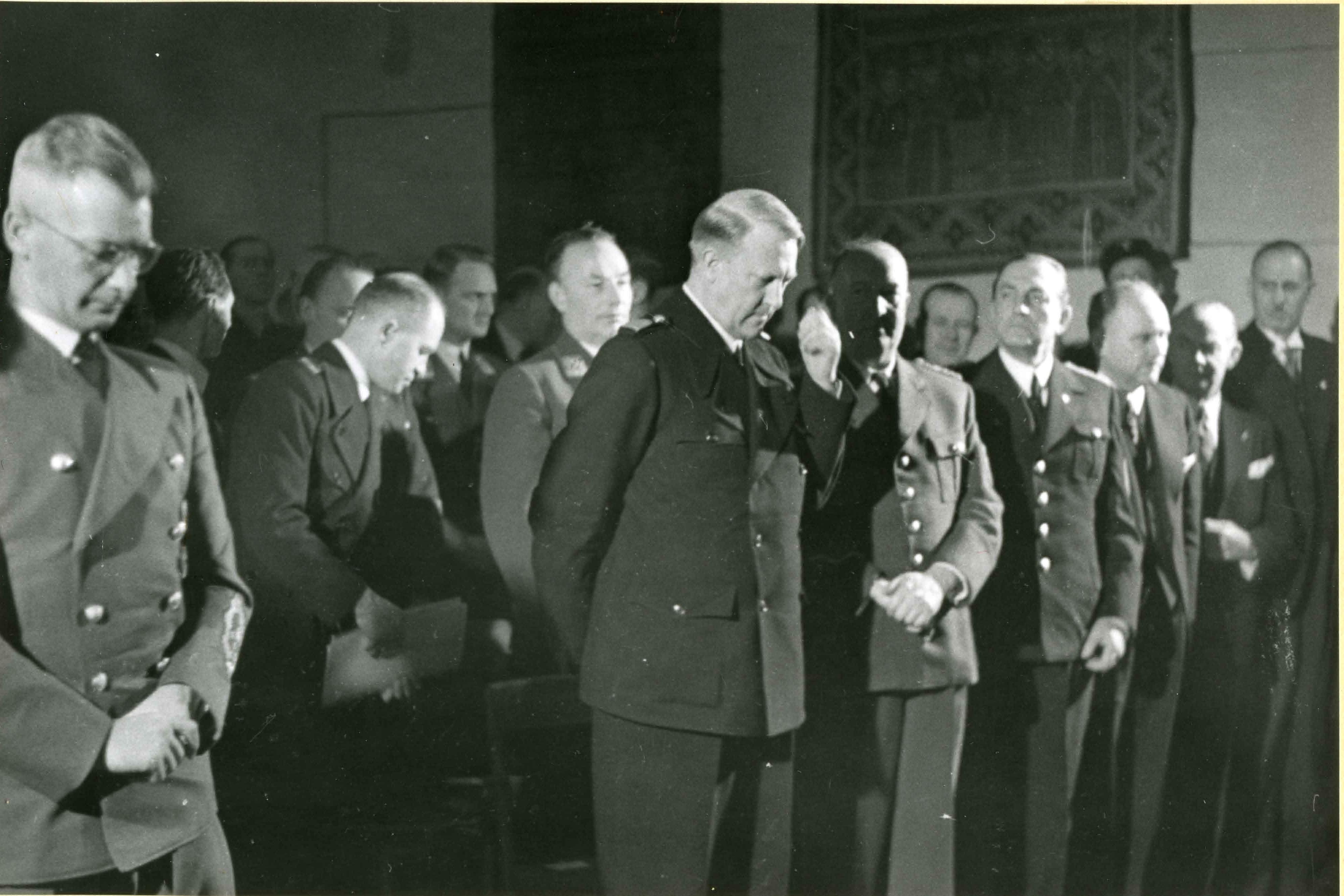 Riddersalen, Vidkun Quisling og Josef Terboven m.fl.