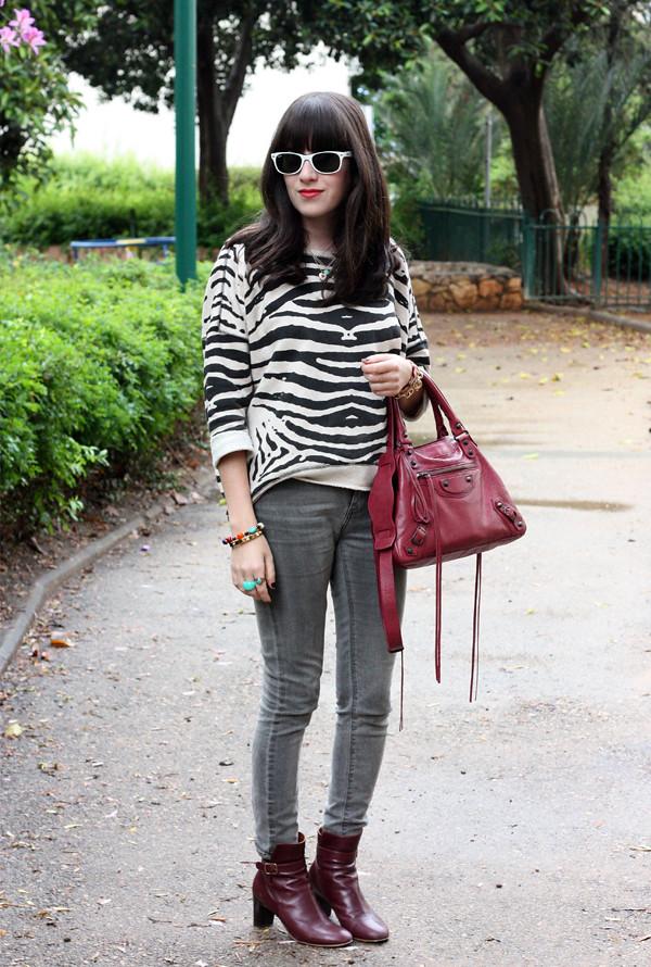 maje_zebra_sweatshirt1