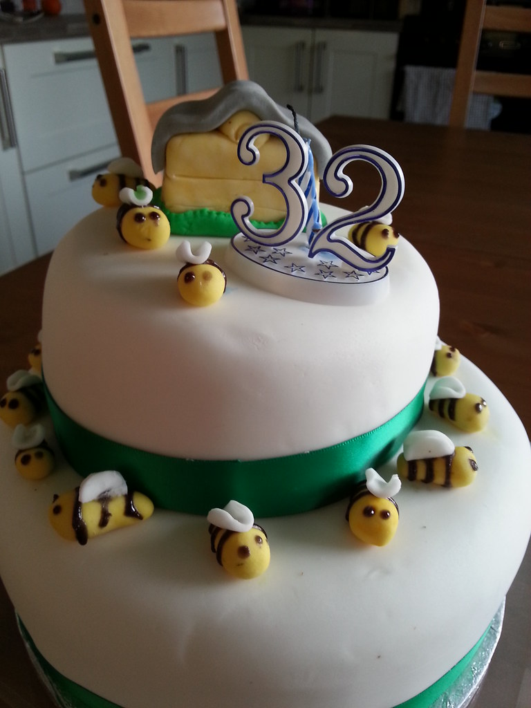 Bee Birthday Cake