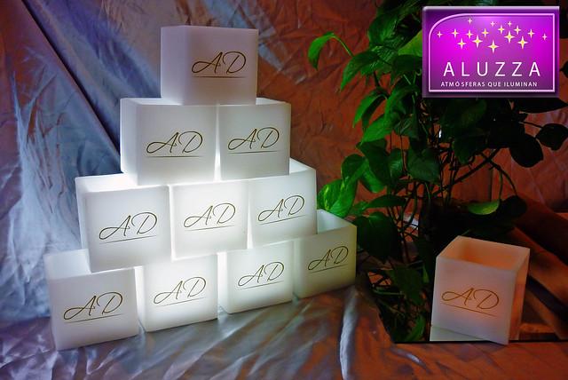 pantalla de cera con iniciales para decoración de bodas aluzza