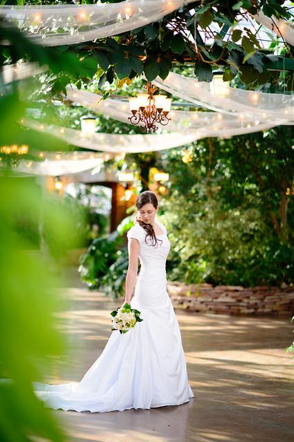 Photography: Utah Wedding Photographer- Highland Gardens Bridal Shoot