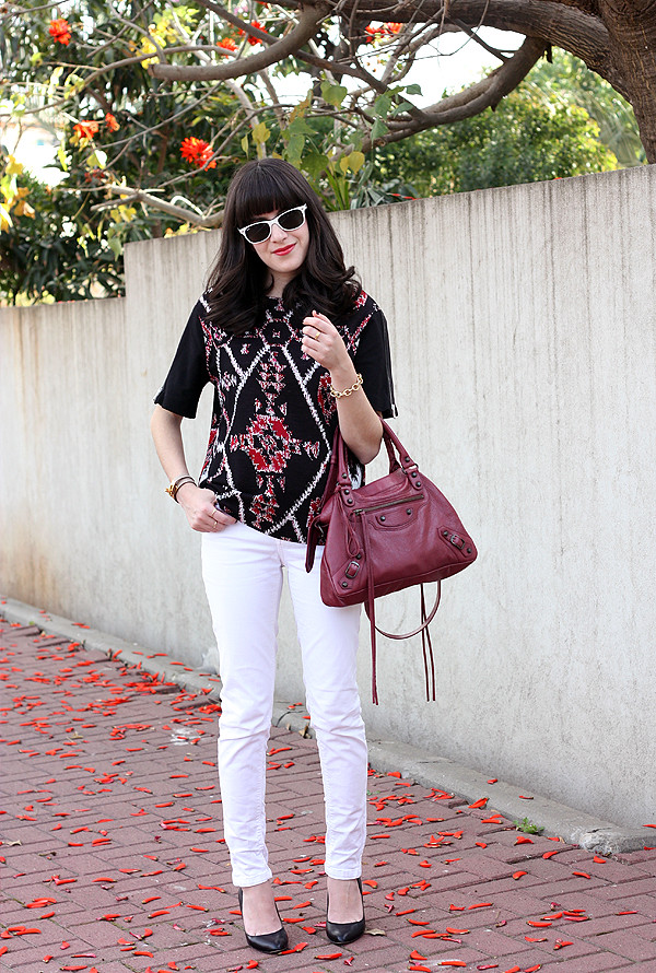 balenciaga bag, sandro top, aldo pumps, ray ban sunglasses, תיקי מעצבים, בלוג אופנה, תיק בלנסיאגה, רייבאן