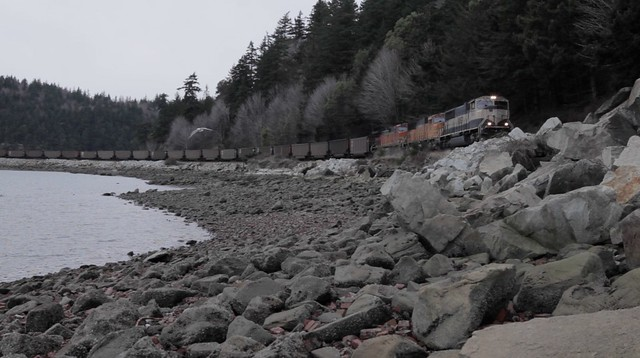20130305_kc_coal_train_Puget_sound