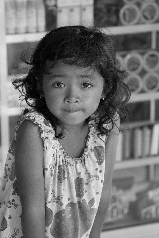 Little girl in Bali, par Franck Vervial