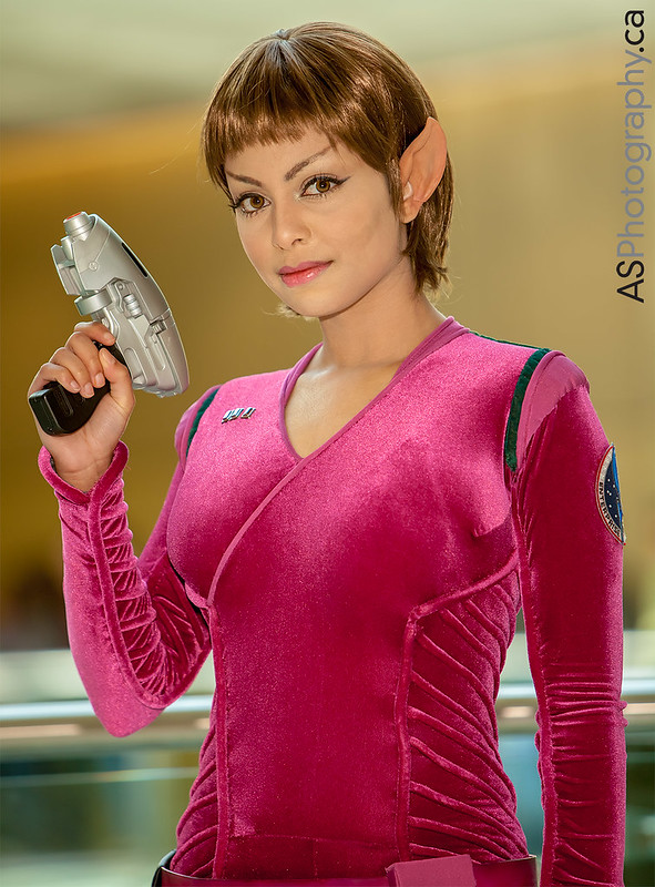 T'Pol captured at Toronto ComiCon 2013