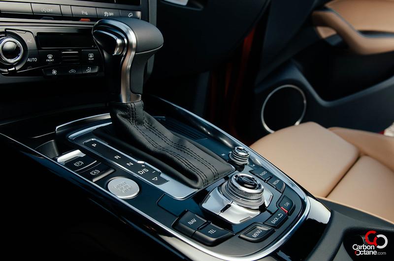 2013_Audi_Q5_3tfsi_gear_shifter.jpg