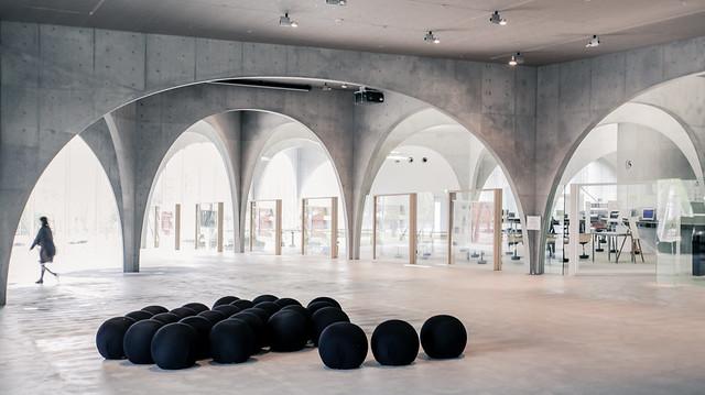 Tama Art University Library - Toyo Ito