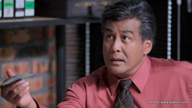 Dato' Jalaluddin Hassan memegang watak sebagai ayah Alif