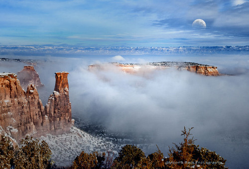 moon mist southwest misty fog evening colorado spires foggy canyon moonlight canyons grandjunction grandjunctioncolorado redrockformations aspenbreeze moonandbackphotography bestevergoldenartists topphotospots tpslandscape gpsetest bevzuerlein besteverexcellencegallery coloradonationslmonument