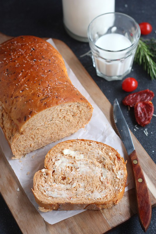 Sun-dried Tomato Cheese Bread