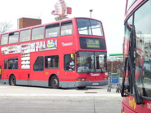 Transdev/London United VP118 on Route 111, 11/04/07