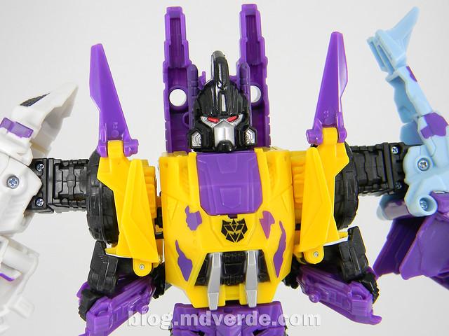 Transformers Bruticus G2 Fall of Cybertron - modo combinado