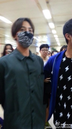 GDragon-returningfromJapan-Gimpo_2014-07-21 (11)