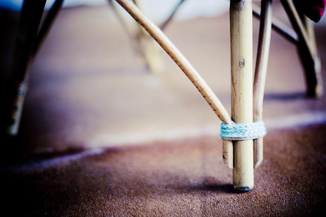 réparer fauteuil vintage en rotin
