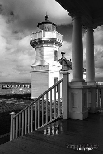 winter blackandwhite usa lighthouse reflection america canon puddle washington porch wa pugetsound february mukilteo keepershouse 52weeks theviewfromhere mukilteolighthouse canon50d project52