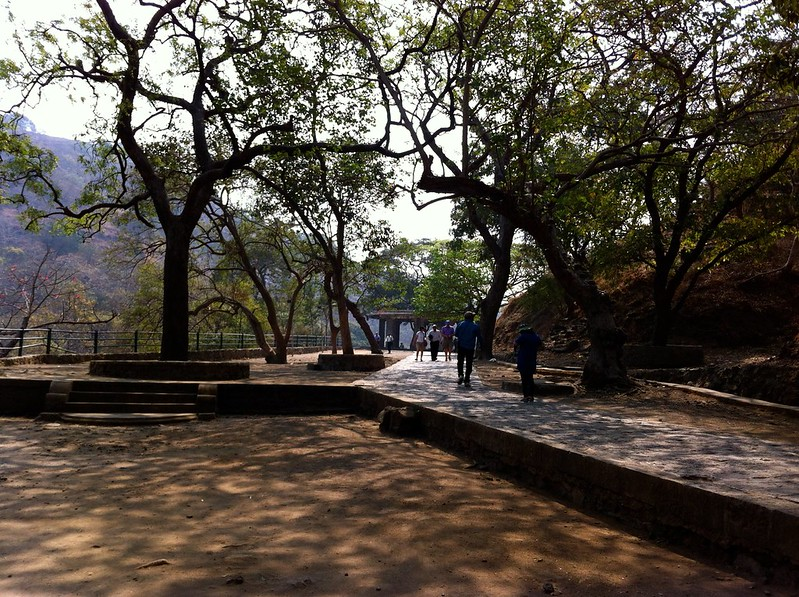 Walking paths at Elephanta caves