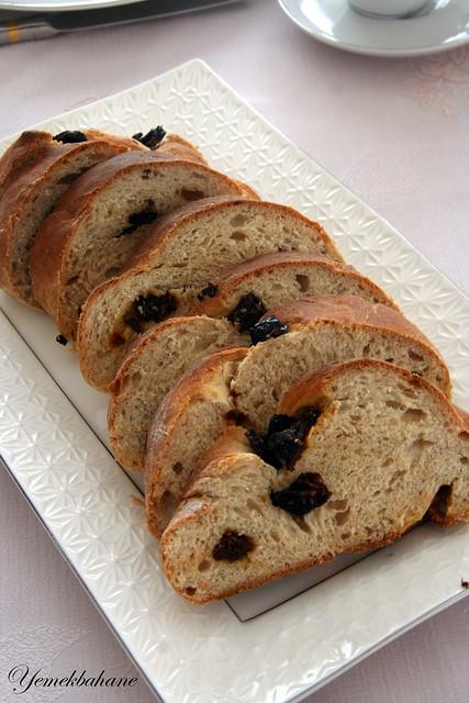 Kuru Domatesli Örgü Ekmek