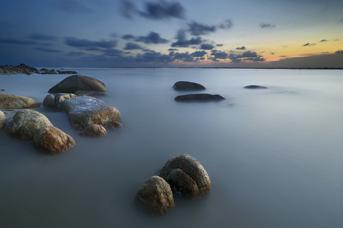 blue sunset love beach yellow rock malaysia kuantan rhythm pahang tuah roslan tembeling