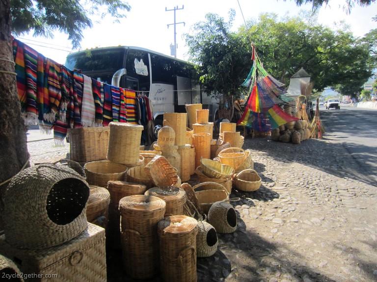 Ajijic Street Scenes :  Highway vendors