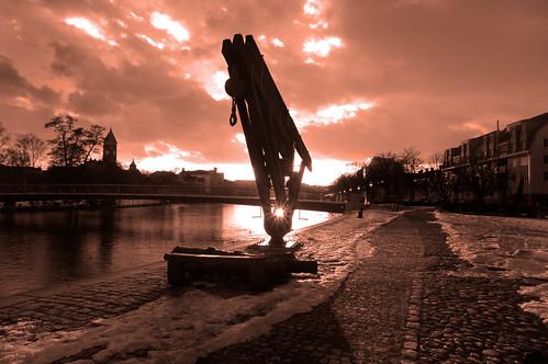 sunset harbor spring norrköping