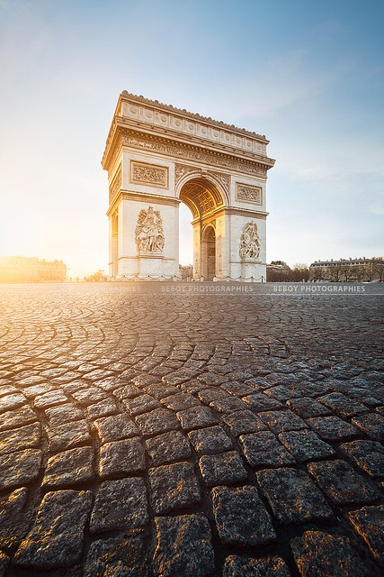Arc de Triomphe @ sunrise