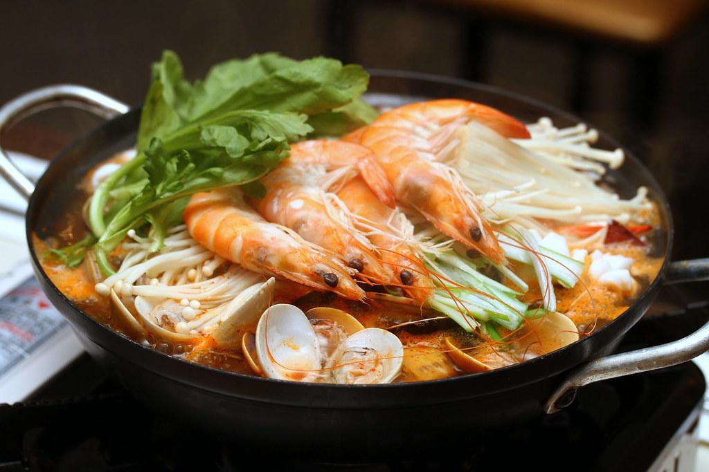 高丽韩国餐厅:海鲜火锅