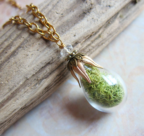 Woodland Moss Specimen Necklace
