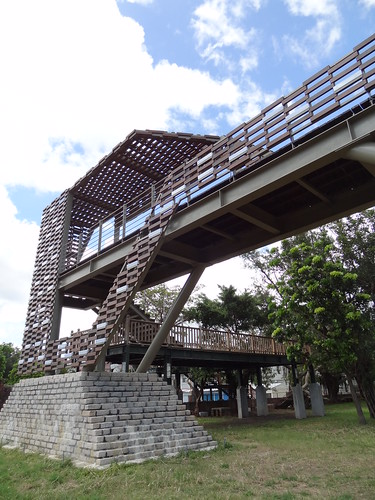 張瑪龍+陳玉霖建築師事務所、居夏設計 - 漂浮城牆 恆春古城人行橋