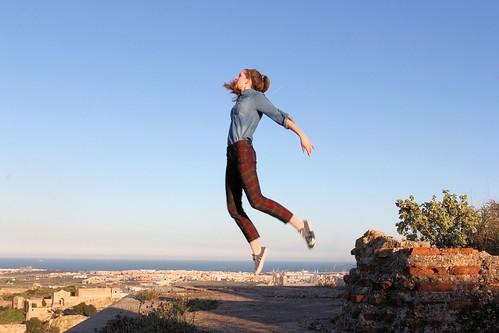 Levitating in ruins_1711