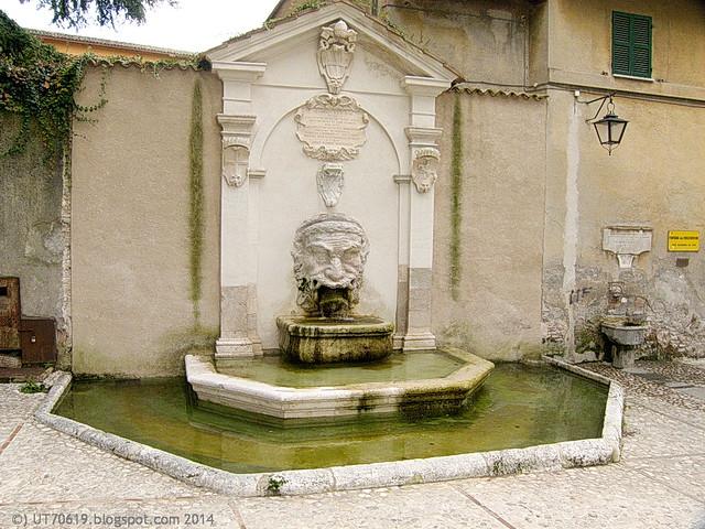 Spoleto - Fontana del Mascherone