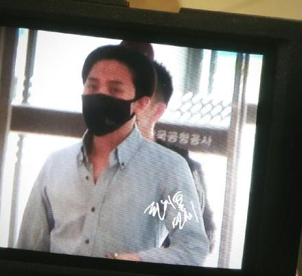 Gimpo-to-Haneda-G-Dragon-20140705 (1)