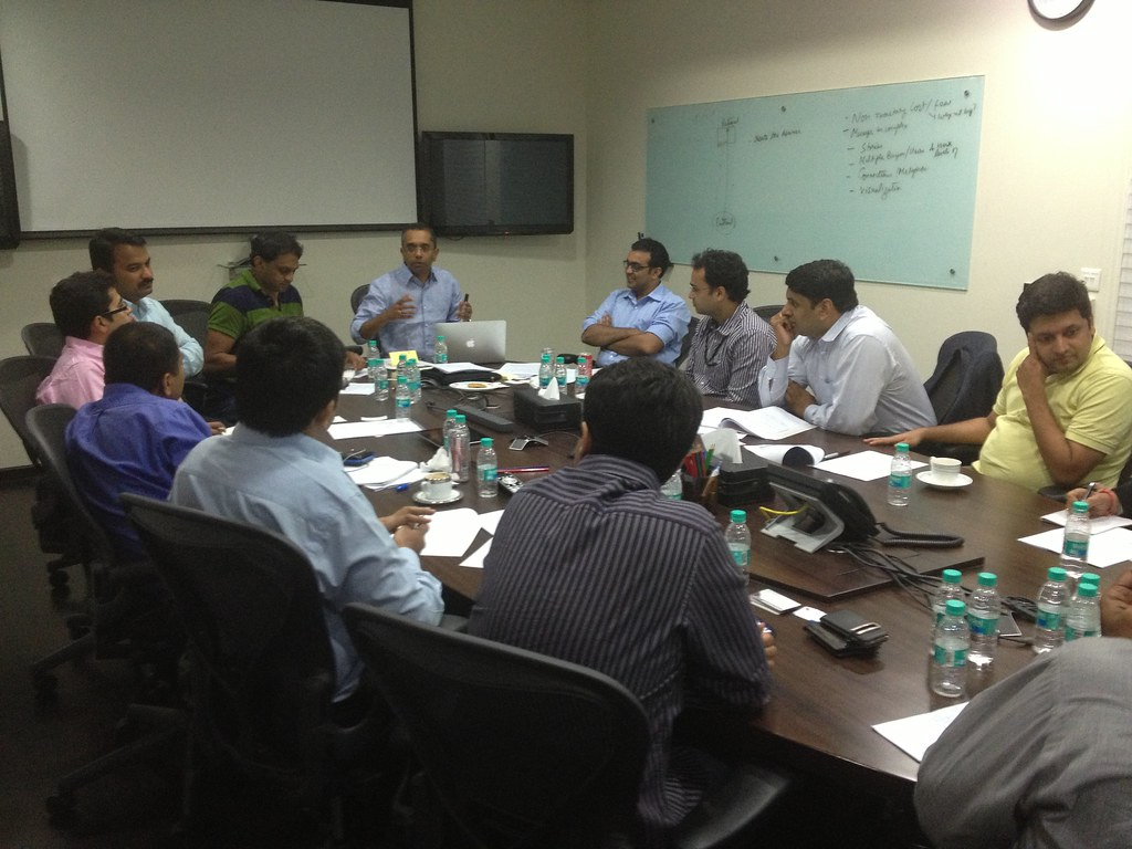 Shankar sharing insights at the iSPIRT Playbook RoundTable