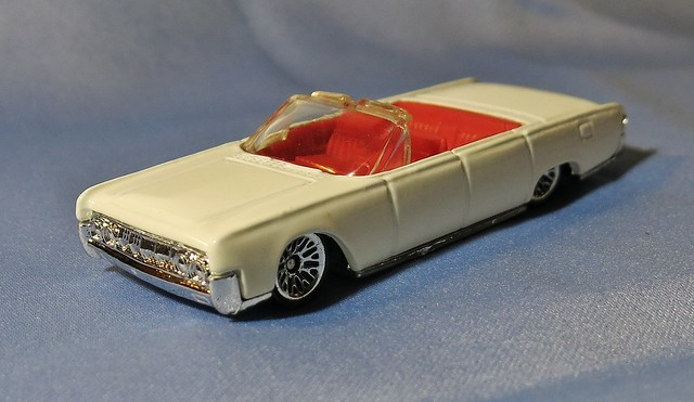 mattel hot wheels 1964 lincoln continental 2000 first. Black Bedroom Furniture Sets. Home Design Ideas