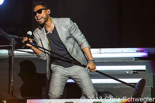 Miguel - 04-17-13 - Set The World On Fire Tour, Joe Louis Arena, Detroit, MI