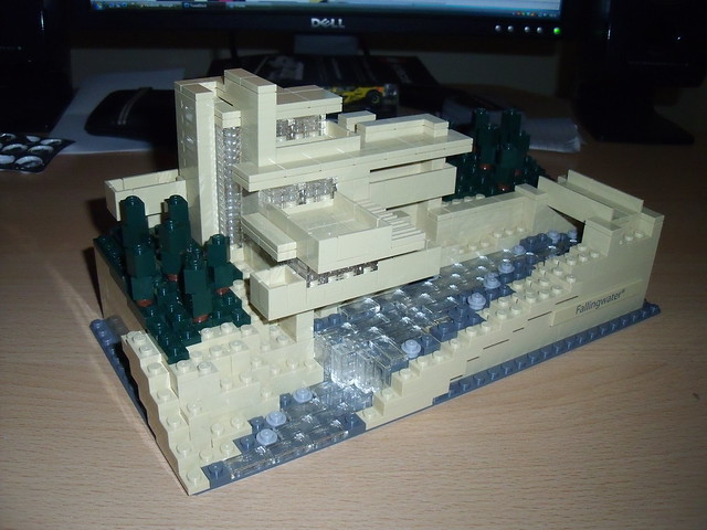 Lego: Fallingwater 16